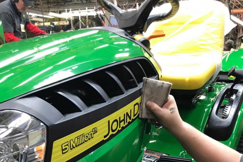 JOHN DEERE : L'usine John Deere Power Products, basée à Greenville dans le Tennessee (U.S.A.), a produit sa 5 millionième tondeuse autoportée en février 2019 !