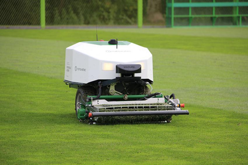 RONOVATEC : RoviMo®, robot de tonte « Swiss Made » professionnel à batterie avec lames hélicoïdales pour la gestion des gazons sportifs, commercialisé en France en 2021 ?