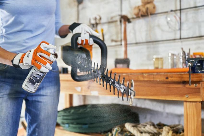 STIHL FRANCE : Care & Clean kits… Lancement d'une nouvelle gamme de produits d'entretien et de maintenance pour augmenter la durabilité des outils STIHL, pour professionnels et particuliers