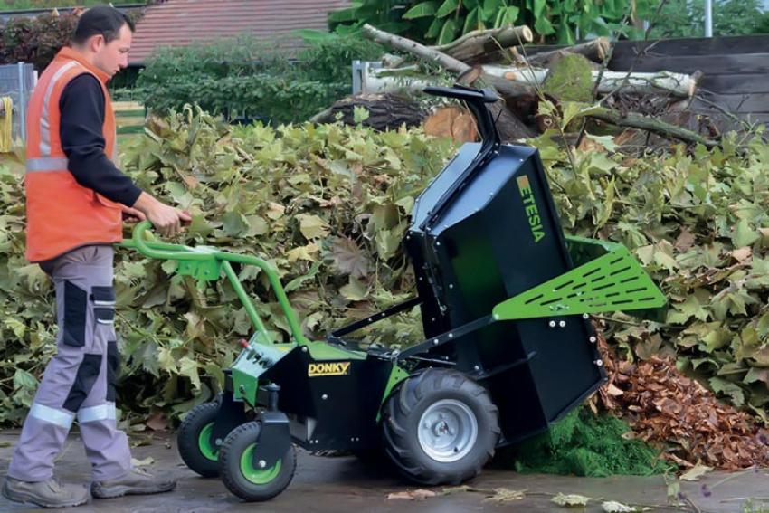 ETESIA : La nouvelle brouette électrique DONKY 2 peut se transformer en porte-outils pour les professionnels du jardin et des espaces verts