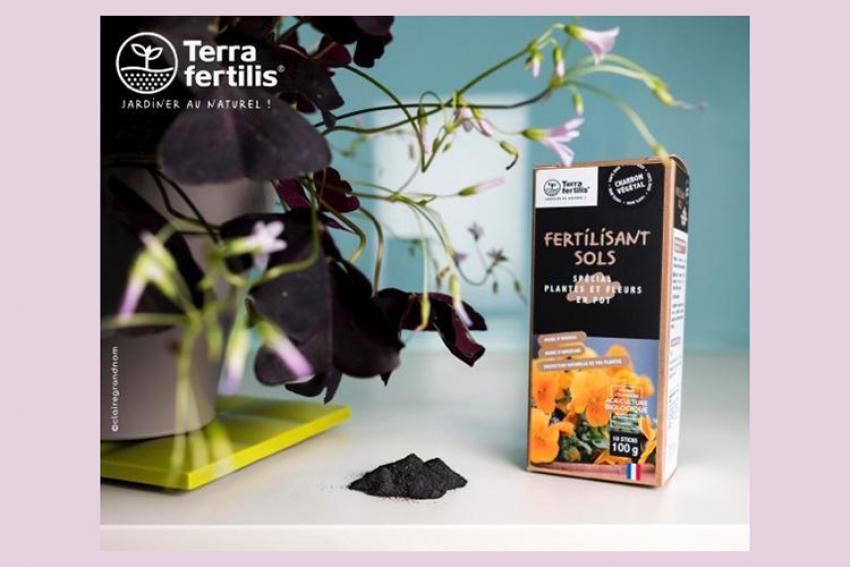 TERRA FERTILIS : Un biochar utilisable cet été sur tous types de végétaux (fleurs, plantes légumières et fruitières, plantes vertes, arbres, gazon) pour retenir l'eau, régénérer les sols et capter du CO2